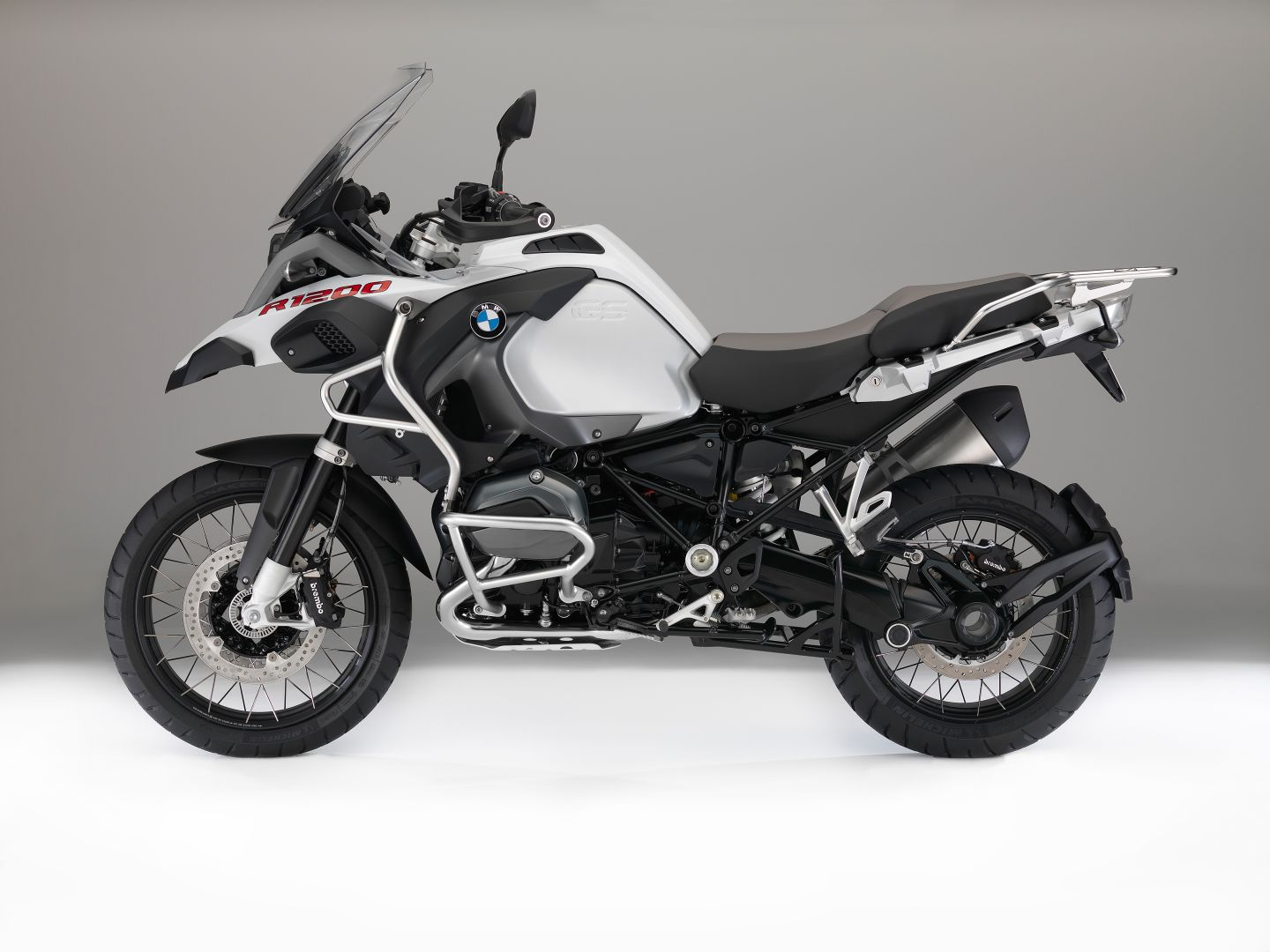 2016 BMW R1200GS Adventure Colors 1