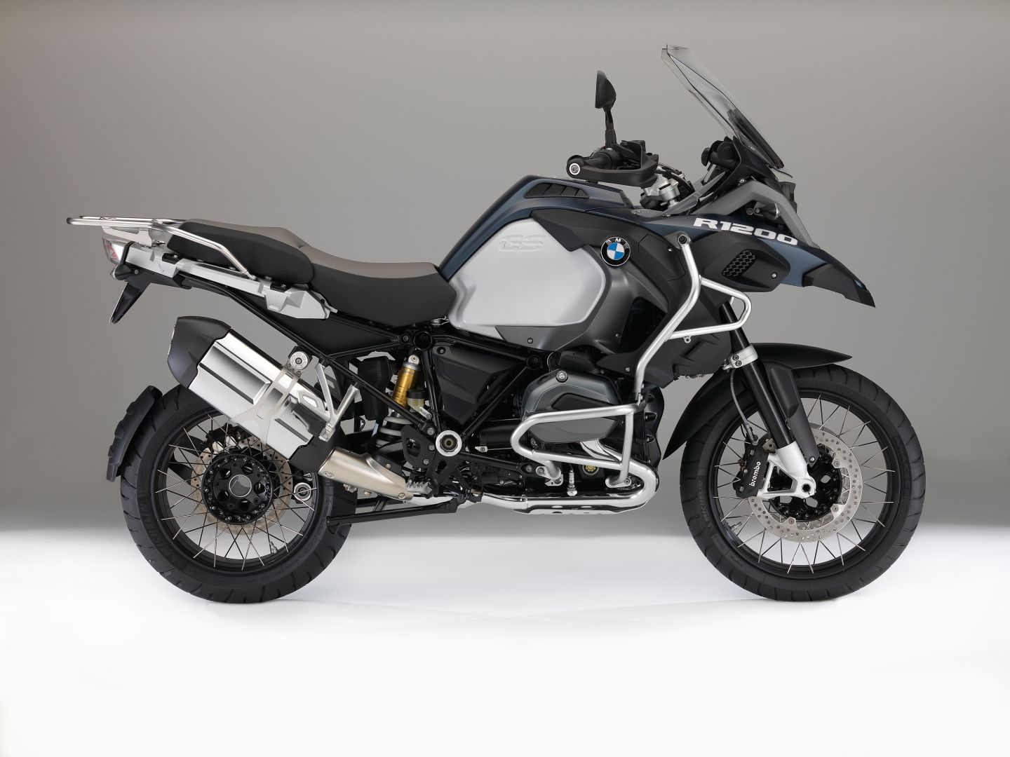 2016 BMW R1200GS Adventure Colors 2