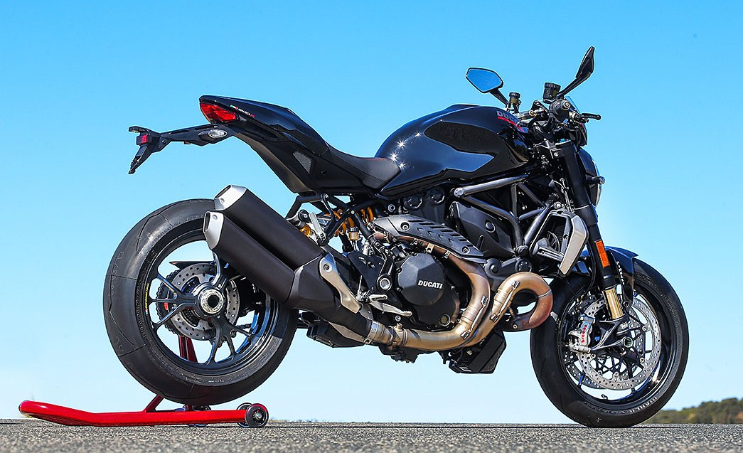 2016 Ducati Monster 1200 R Black