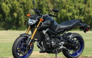 2016-Yamaha-FZ-07-0-60-Acceleration-Review-1